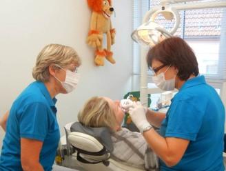 Zahnarztpraxis-Amon-Habersack-behandllung-2
